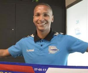 e9d3d9ccc4 O Palmeiras anunciou na noite de terça-feira a contratação do atacante  Deyverson